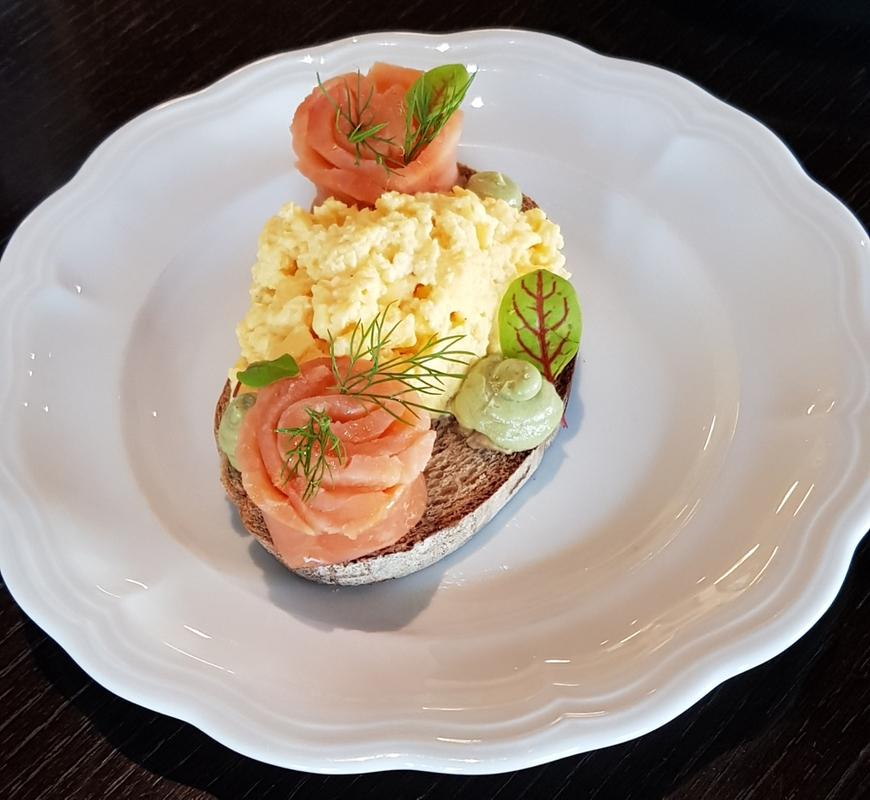 Salmon avo egg