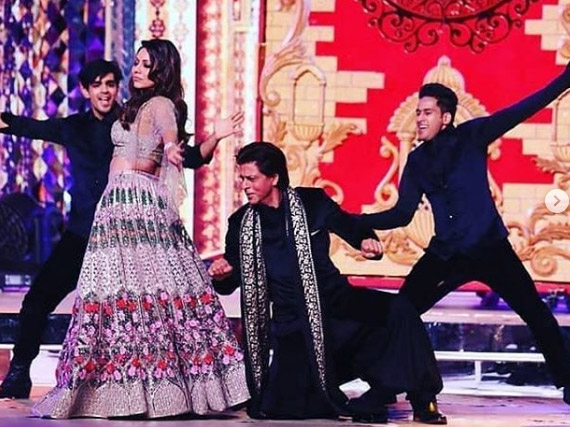 Shah Rukh and Gauri Khan dancing at Ambani wedding