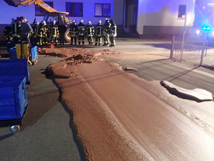 2018-12-12T005304Z_660525391_RC12772D6070_RTRMADP_3_GERMANY-CHOCOLATE-SPILL-(Read-Only)