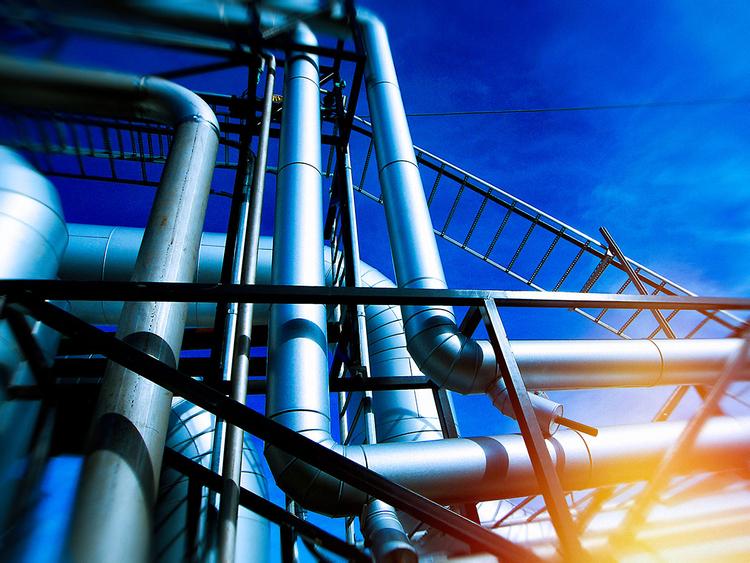 iStock-680402636 oil plant