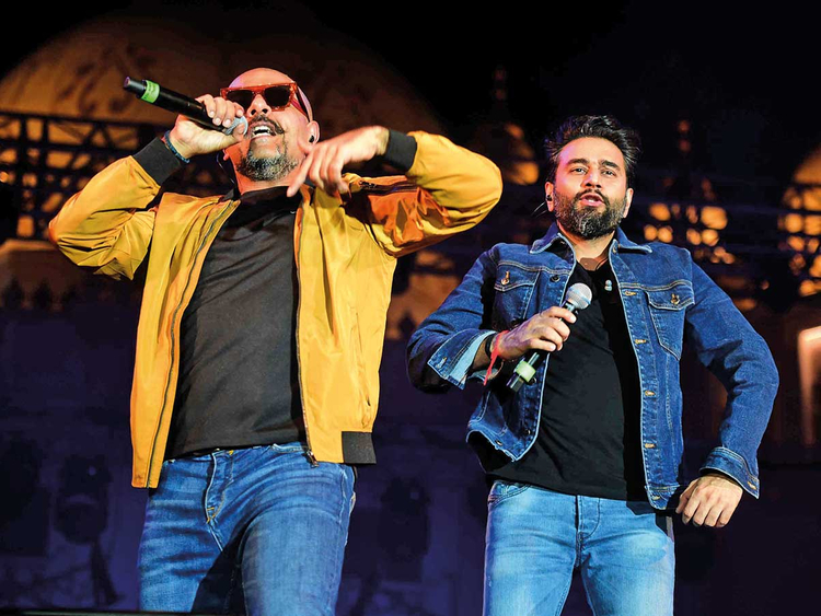 181222 Vishal Dadlani and Shekhar Ravjiani on stage