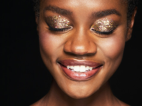 HOLIDAY_MAKEUP_1 Find Your Light in Glitter