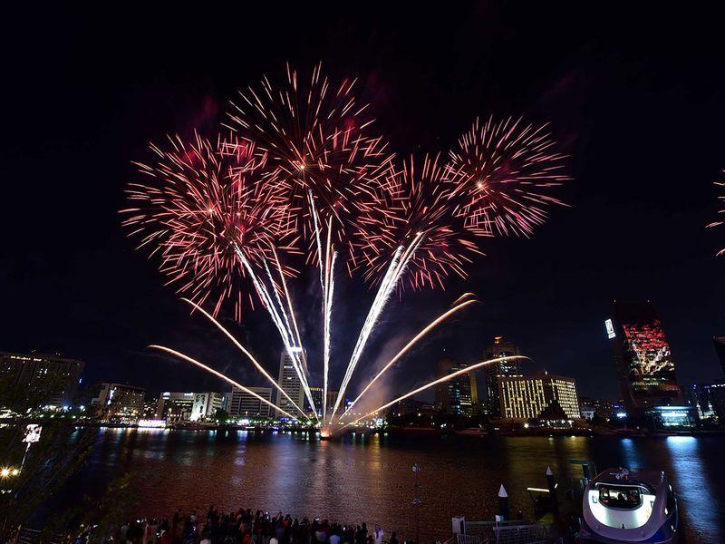 https://imagevars.gulfnews.com/2018/12/26/Fireworks_at_Al_Seef_resources1_16a0854aa20_original-ratio.jpg