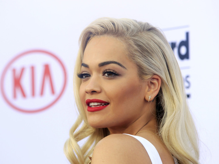 tab_ Rita Ora (2)