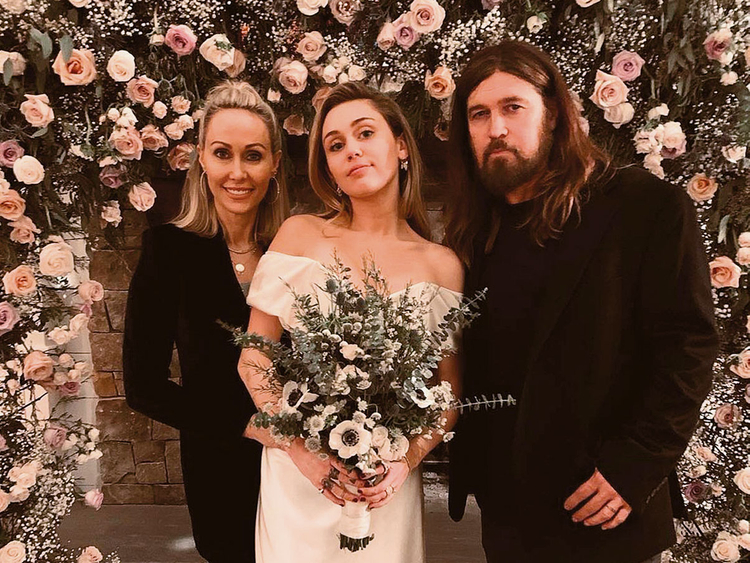 Miley-wedding-3-(Read-Only)