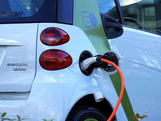 electric car 1458836_1920 hybrid car generic