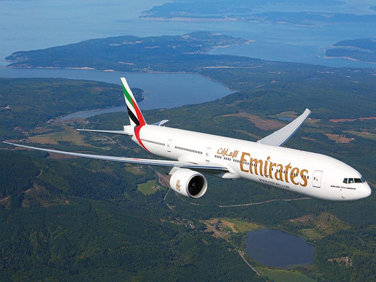 1.2044014-527683142 emirates
