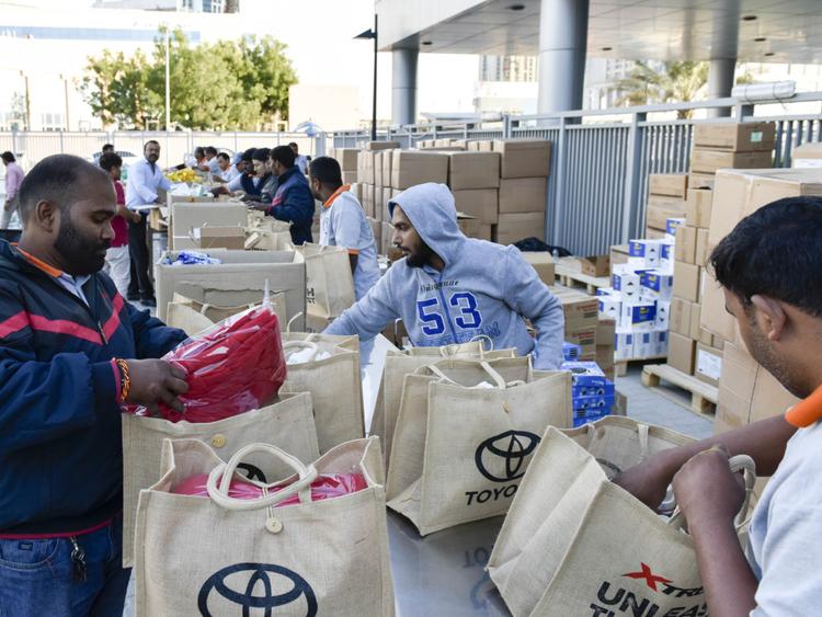 RDS_181231 People behind the fun drive Goodie bags