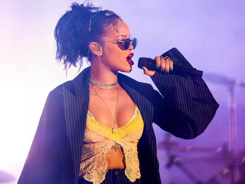 tab_ Rihanna