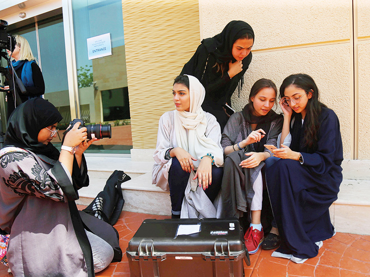 Abaya: What women in Saudi Arabia think | Saudi – Gulf News