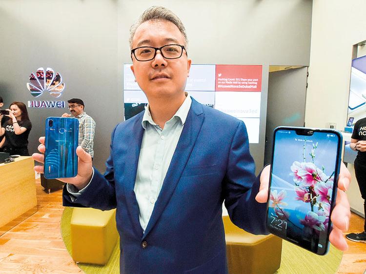 Huawei eyes 30% growth in smartphone volumes