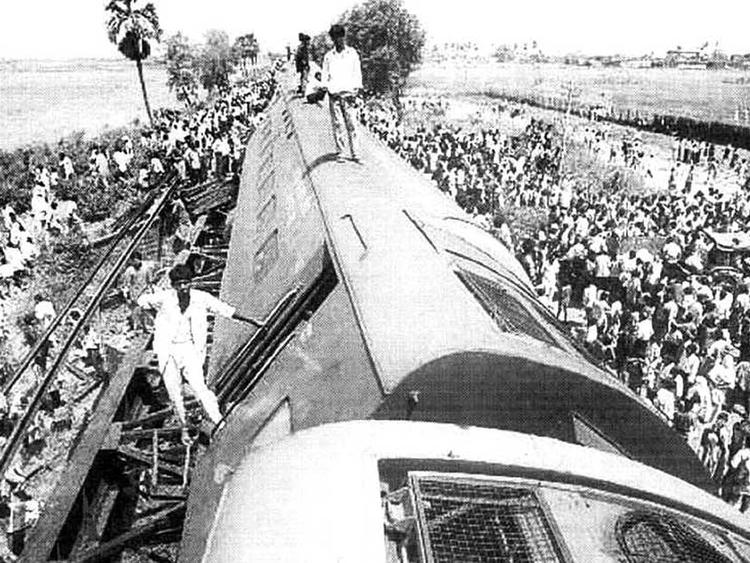 April 28, 1998: 12 killed in Howrah-Danapur train crash in India