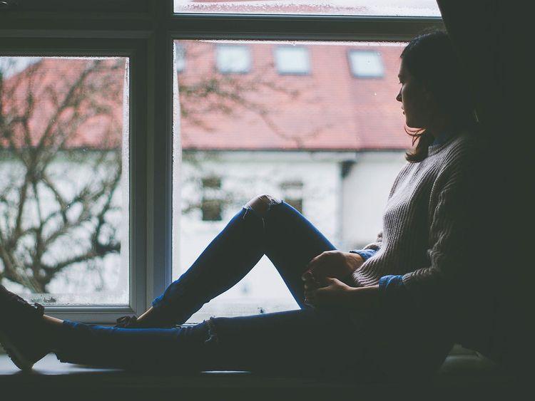 Woman sad alone 190102