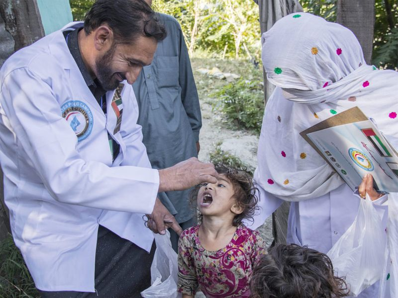 UAE delivers 371 million polio vaccines to Pakistan