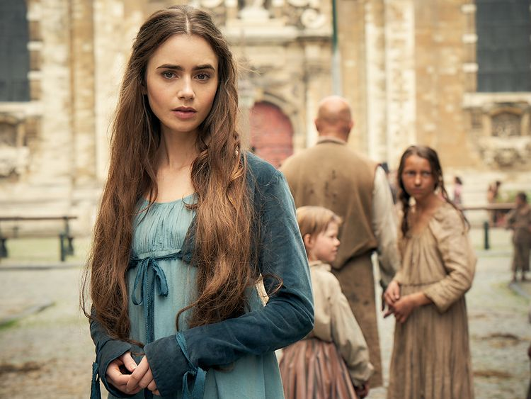 Lily-Collins-as-Fantine-(Read-Only)