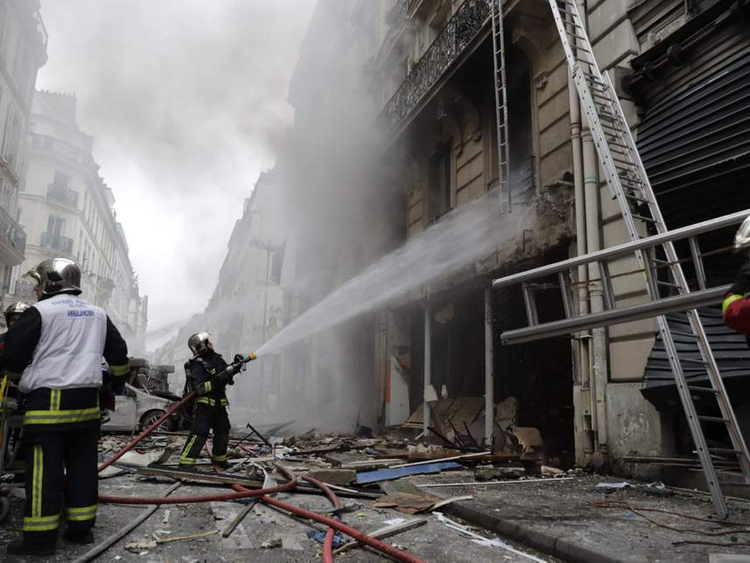 Paris blast 092