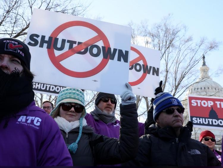 Shutdown Federal air traffic controller union_01