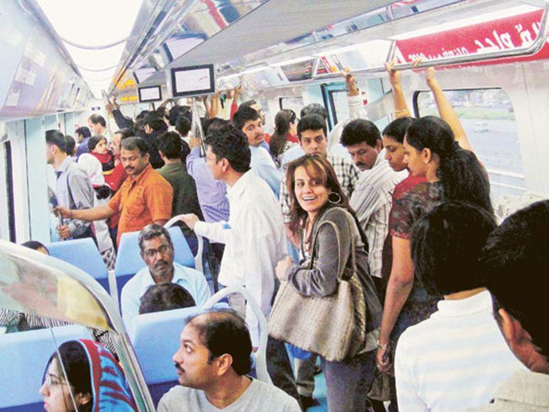 Dubai Metro commuters