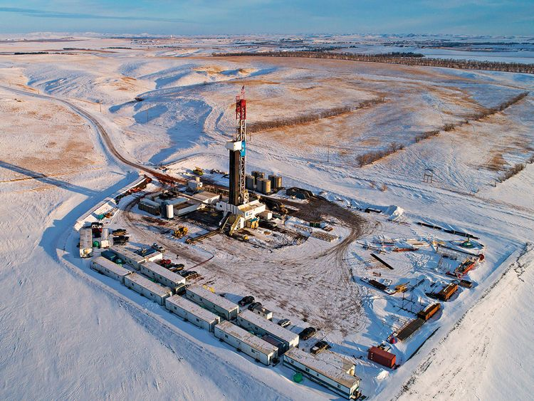 A Unit Drilling Co. rig stands in the Bakken Formation