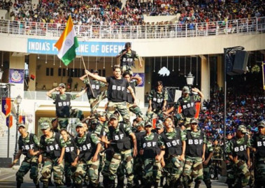 RDS_190126-Varun-Dhavan-at-Republic-Day-celebrations-1548516082197