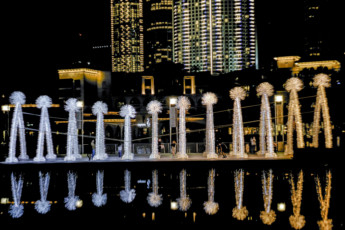 Tab-190129-www-Light-Art-DXB-at-Burj-Park-Plaza-1548686944809