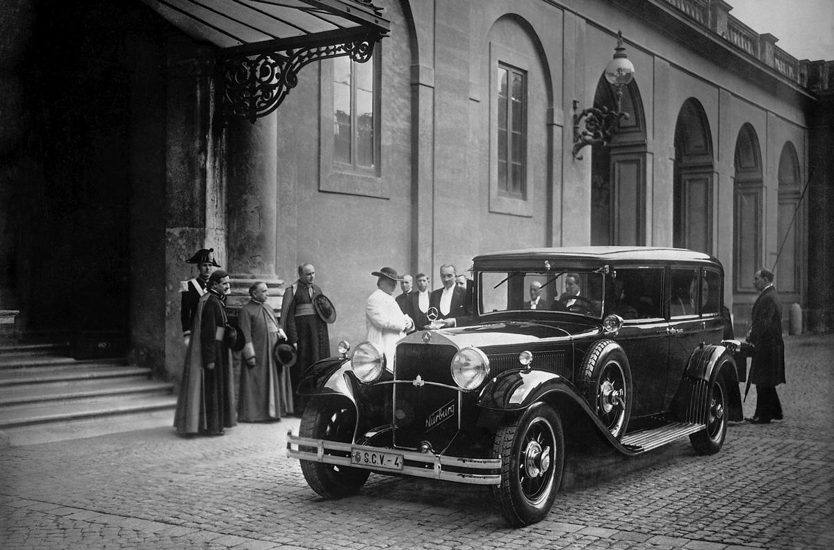 1930 Nurburg popemobile