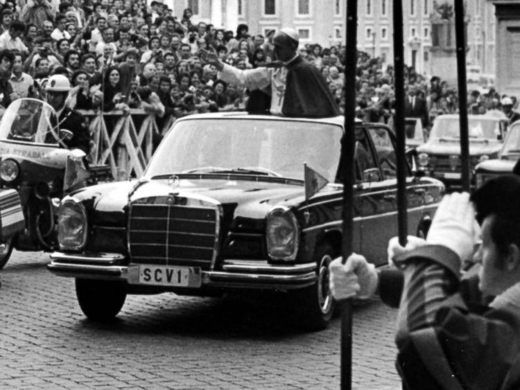 Pope Paul VI popemobile