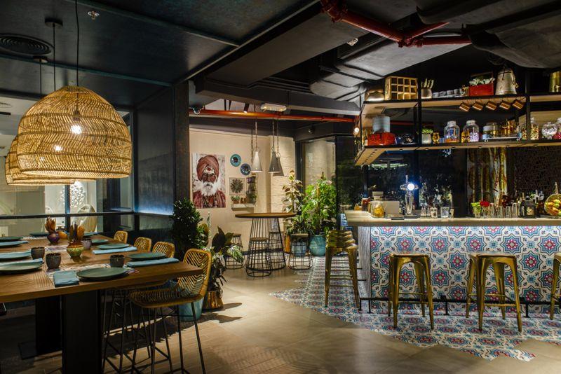 Interior-Bar-1548854060146