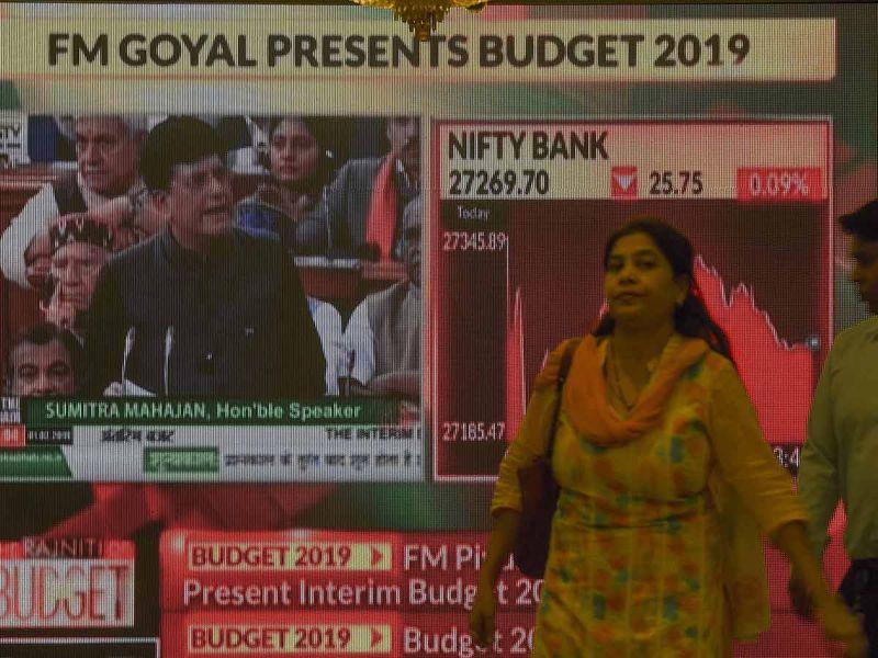 Indian Finance Minister Piyush Goyal presenting the budget 20190201