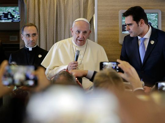 190203 pope francis journalist
