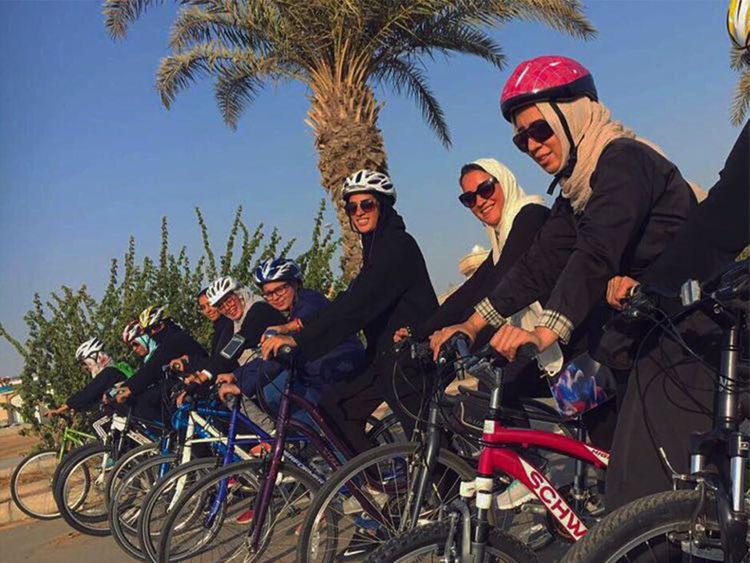 190203 women syclist