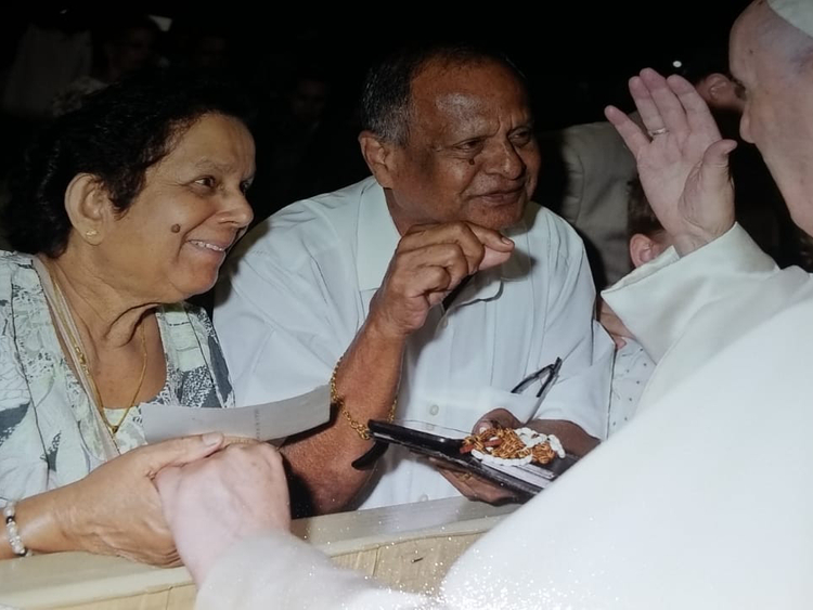RDS_190203-Pope-couple-1-1549200341377