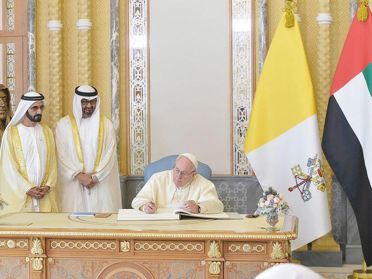 Pope Francis with Shaikh Mohammad Bin Rashid and Shaikh Mohammad Bin Zayed 7