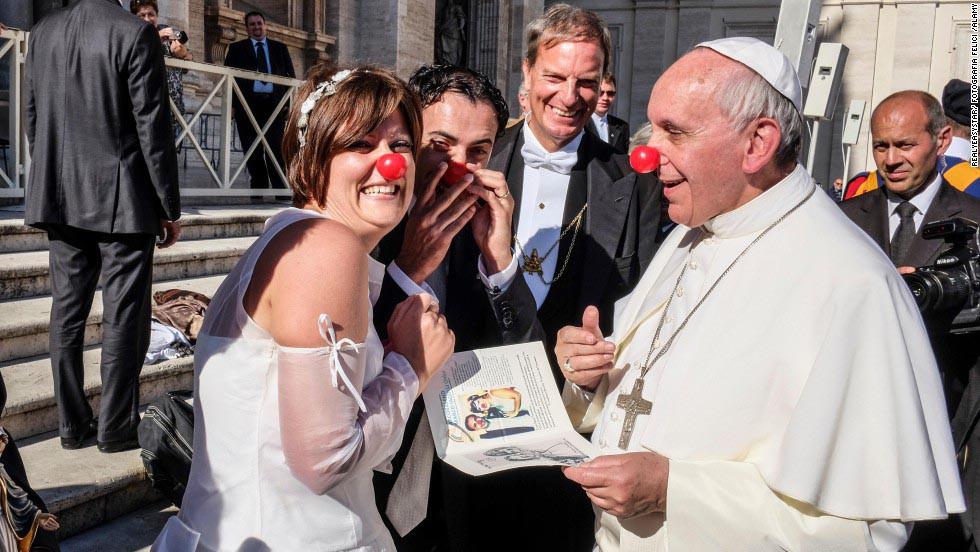 pope-clown1-1549283769224