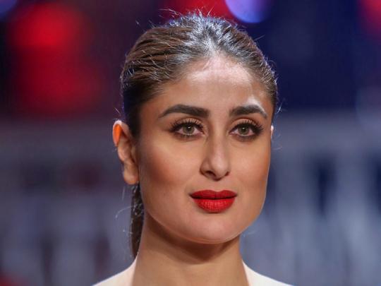 tab-Kareena-Kapoor-at-Shantanu-and-Nikhil-show-1549271726073