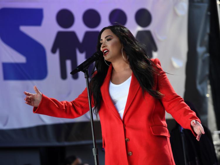 tab-Demi-Lovato-1549346365693