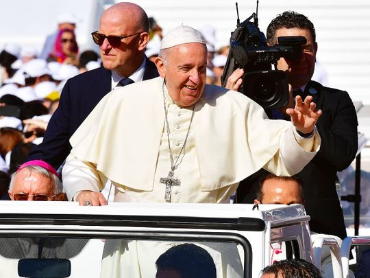 Pope Francis arrives 7