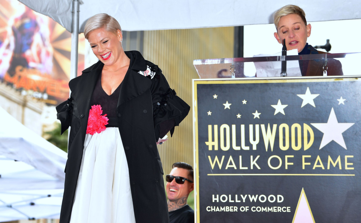 tab-Pink-getting-Hollywood-Walk-of-Fame-star2-1549441133032