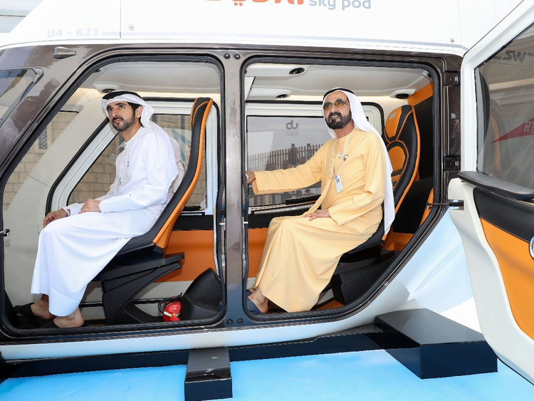 Shaikh Mohammad (right) and Shaikh Hamdan