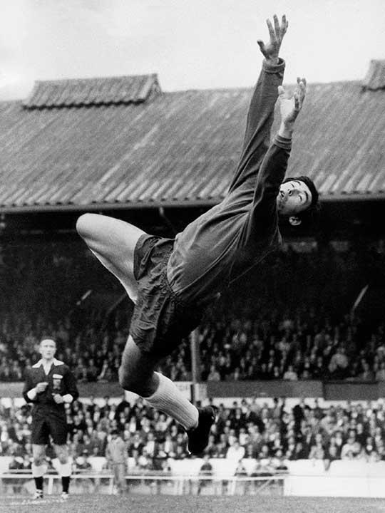 Stoke City's goalkeeper Gordon Banks 1969