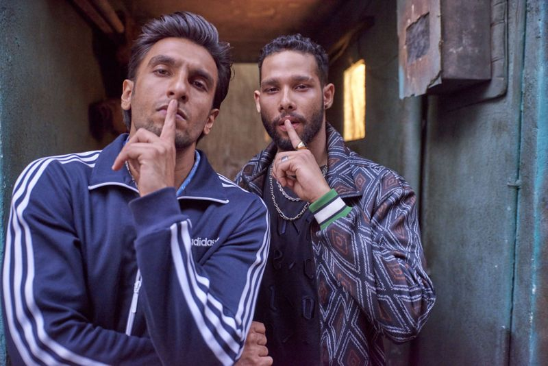 Ranveer-Singh-and-Siddhant-Chaturvedi-gULLY-1550061551699