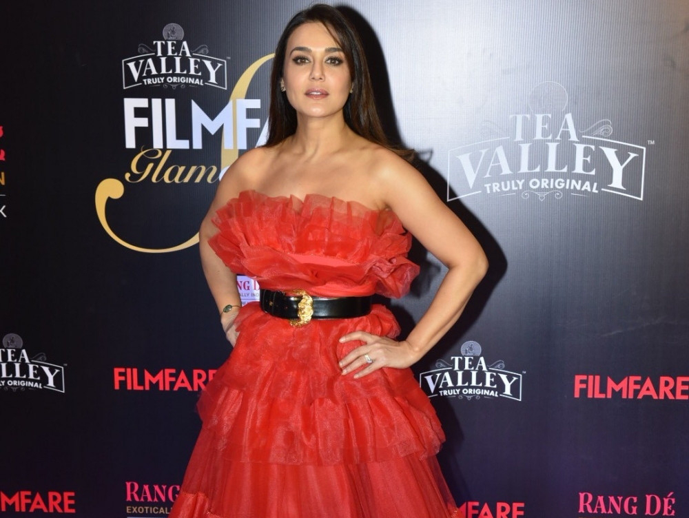 tab-Filmfare-Glamour-and-Style-Awards-2019-(14)-1550047700033