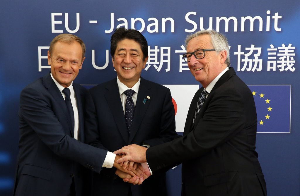 Prime Minister Shinzo Abe of Japan, Donald Tusk, Jean-Claude Juncker 09