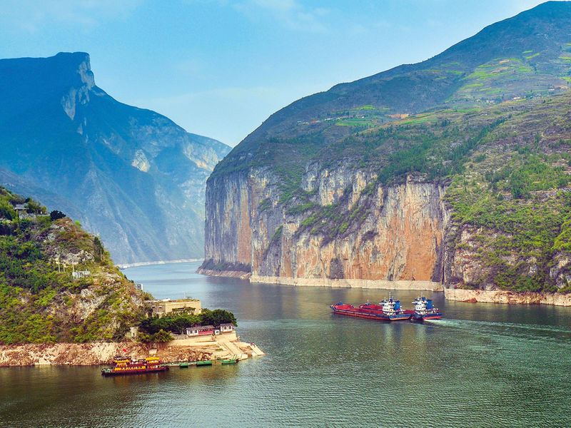 tab-The-Three-Gorges-iStock-506401730-(Read-Only)