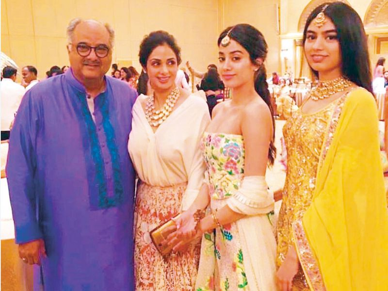 Boney Kapoor and Sridevi with daughters Jhanvi and Khushi