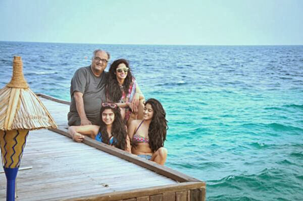 Sridevi-holidaying-with-her-family-in-Maldives-1550900511760