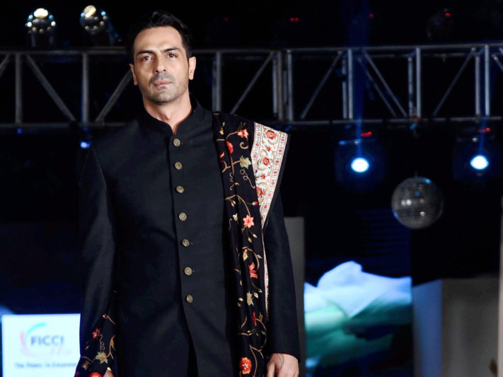 tab--Arjun-Rampal_Khadi-goes-global-1550915740347