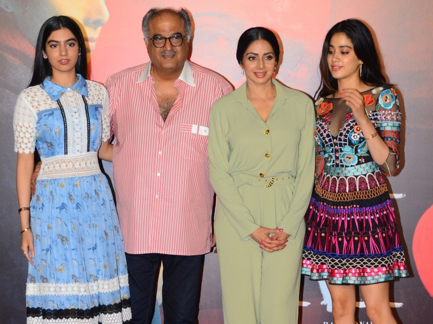tab-Sridevi-with-her-husband-and-daughters-(12)-1550900529814