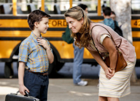 tab-Zoe-Perry-and-Iain-Armitage-in-Young-Sheldon-(2017)-1550906922197