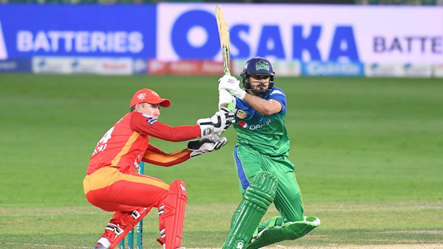 Daniel Christian of the Multan Sultans in action 01